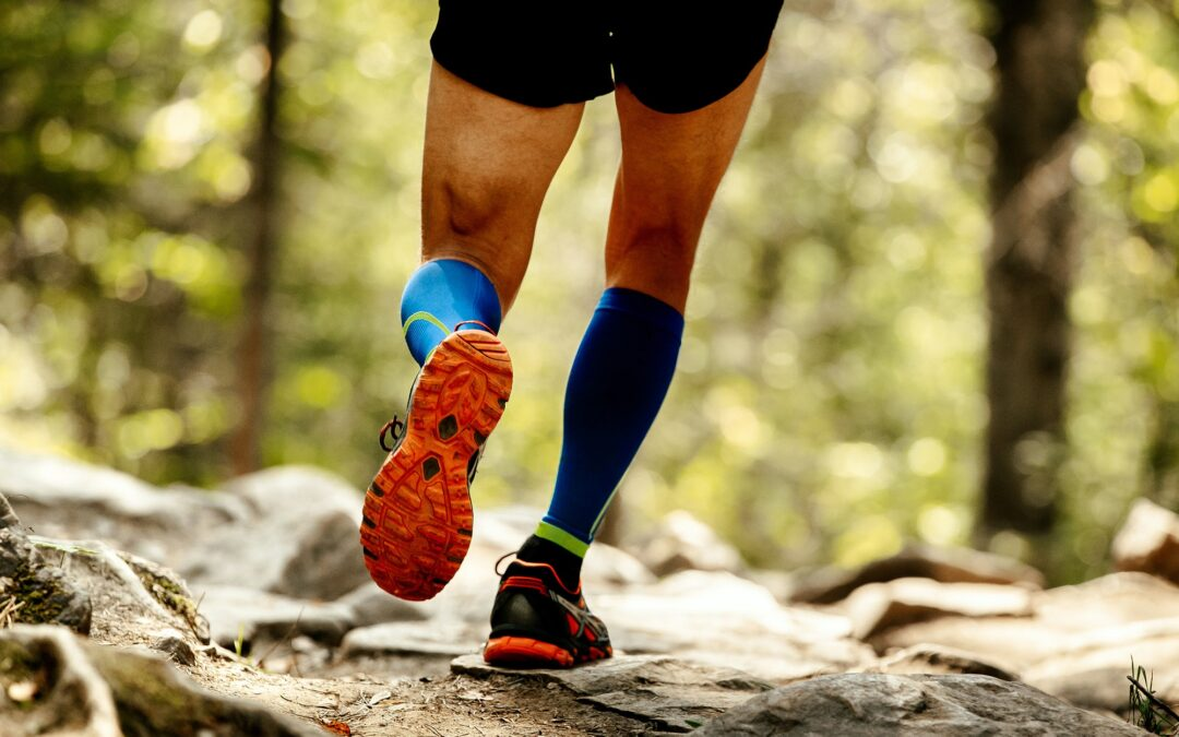 how do compression stockings work